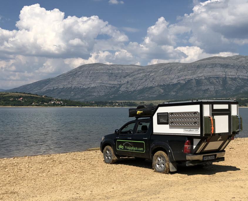 Toyota Hilux Pickup Camper