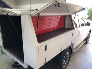 Pickup Festaufbau mit Hardtop Nissan Navara