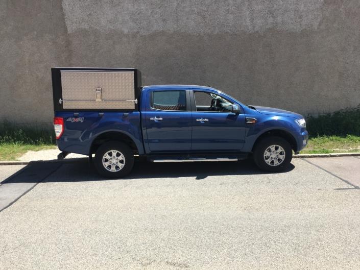 Ford Ranger Hardtop blau eckig