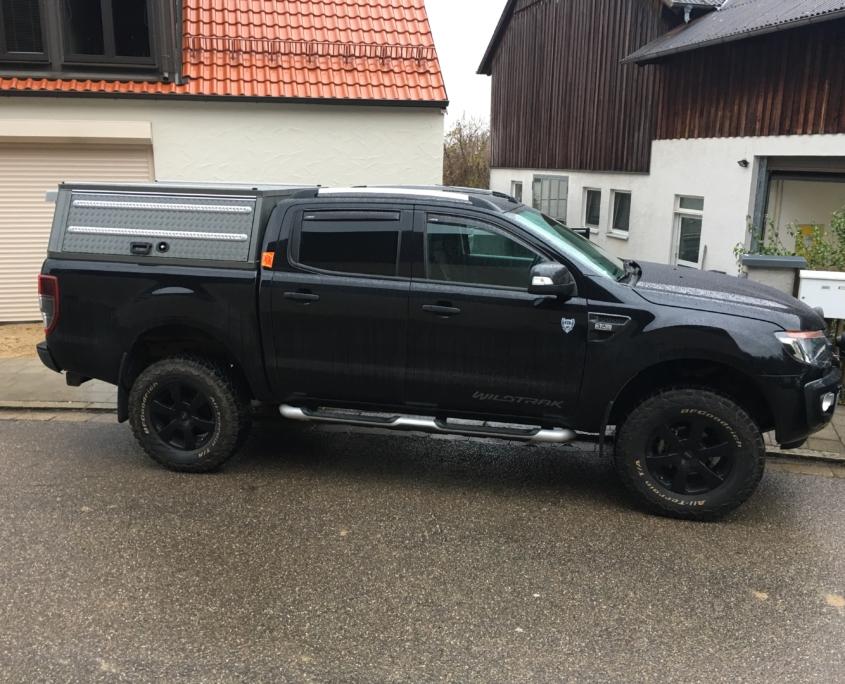 Ford Ranger Hardtop mit Zurrschiene