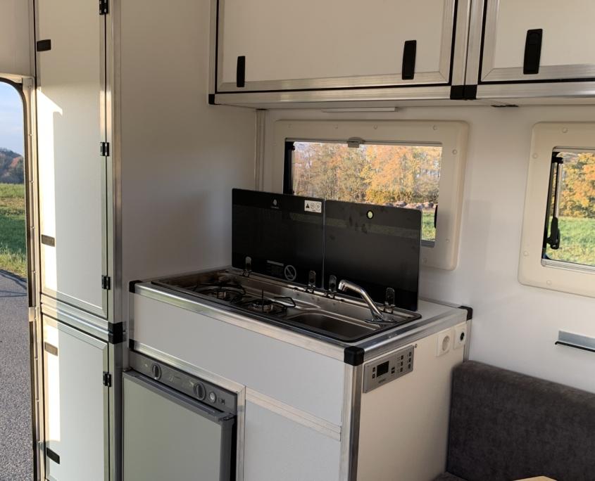Wohnkabine Pickup Ford Ranger mit Festdach Küchenblock
